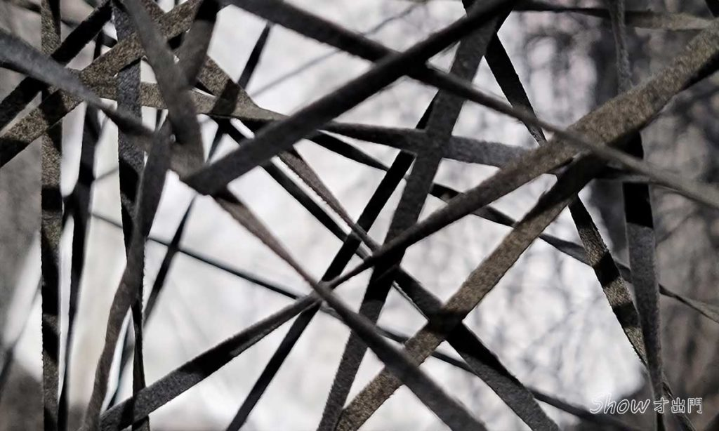 塩田千春展覽-黑線-時空的反射